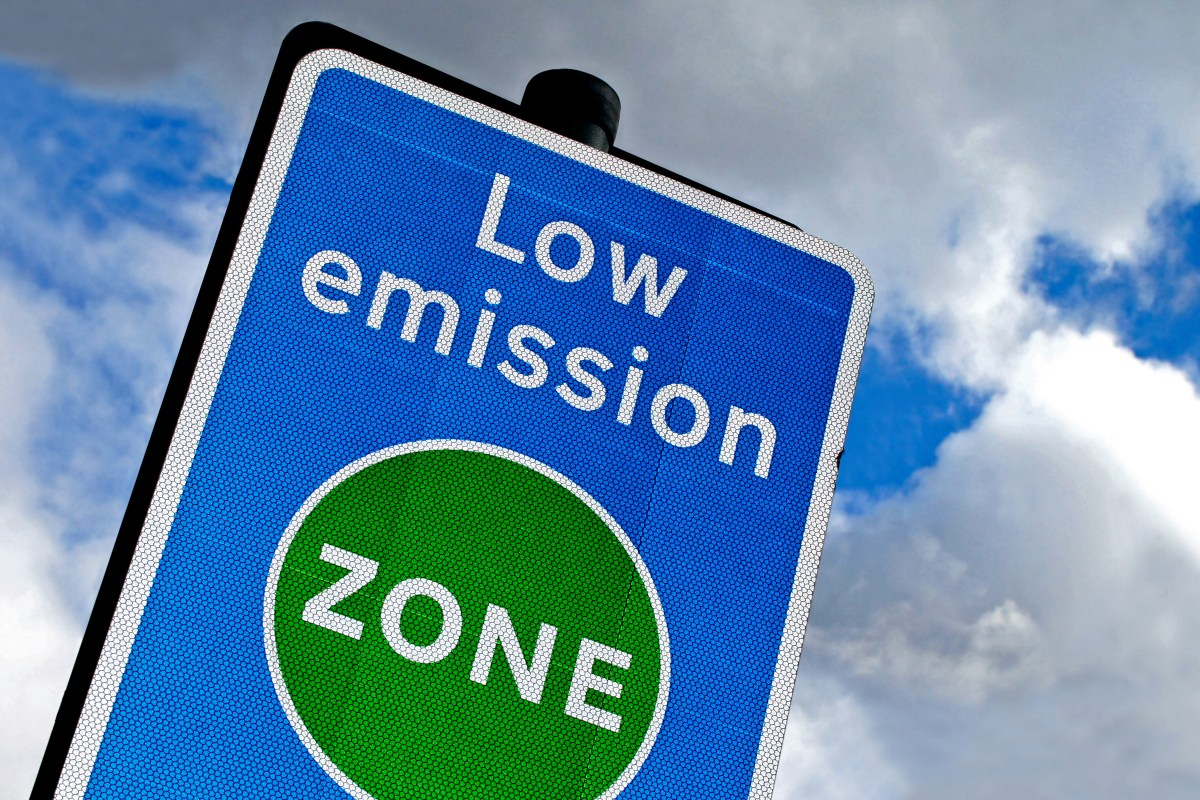 low-emission-zone-sign.jpg